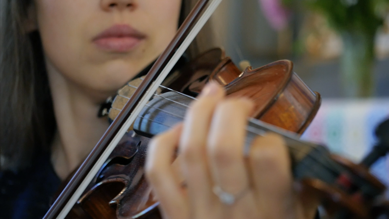 woman-playing-the-violin-free-hd-video-footage